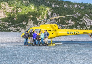 Photo of family on the icefield excursion tour in juneau