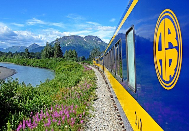 scenic train ride in alaska