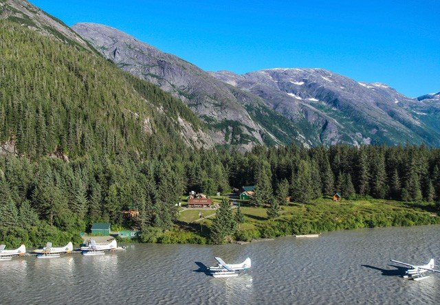 Taku Glacier Lodge Flight Amp Feast 5 Glaciers Alaska