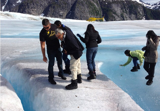 Juneau Glacier Dogsled Extended Tour Via Helicopter